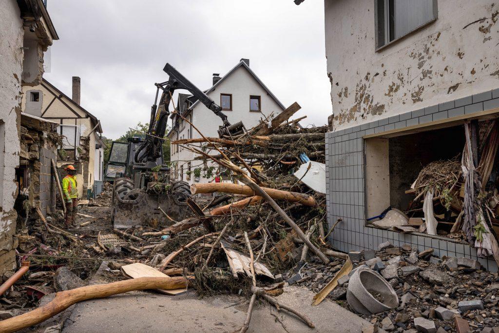 Aufräumarbeiten nach der Hochwasserkatastrophe im Westen Deutschlands in Schuld, Rheinland-Pfalz. Der Landkreis Ahrweiler war in der Nacht zum Donnerstag (15.07.2021) besonders stark von Starkregen und Schlammlawinen getroffen worden.